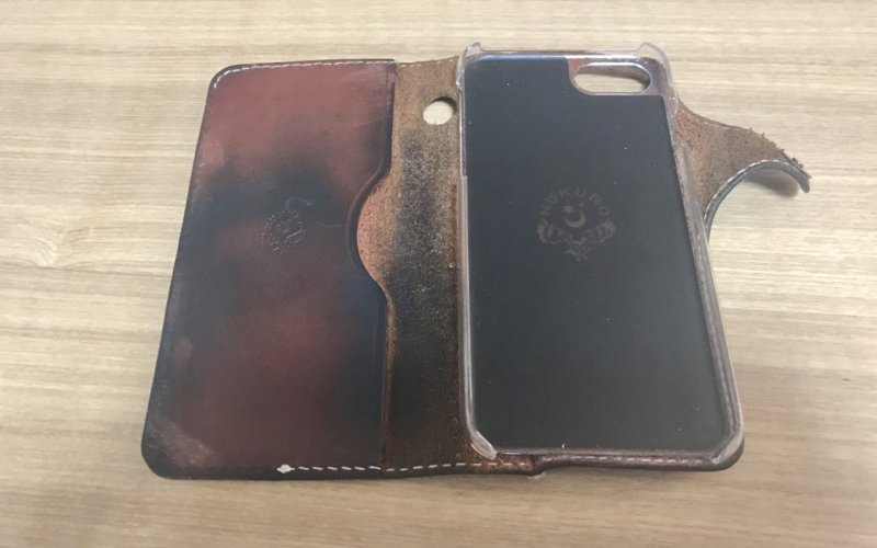 iPhoneの革ケース