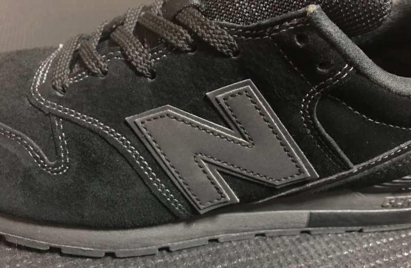 ニューバランス996のブラックモデル